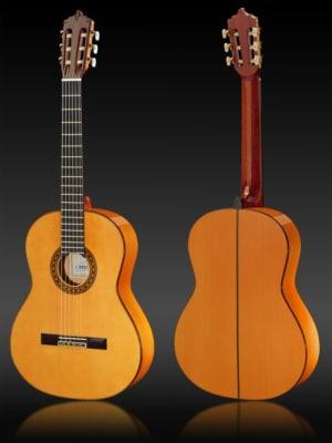 Artesano Flamenco S mit massiver Fichtendecke und Korpus aus Yellow Cedar